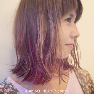 インナーカラー ミディアム グラデーションカラー ガーリー ヘアスタイルや髪型の写真・画像