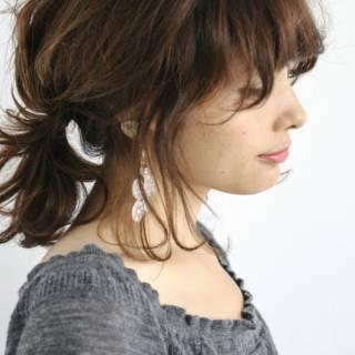 フェミニン ヘアアレンジ ミディアム ナチュラル ヘアスタイルや髪型の写真・画像