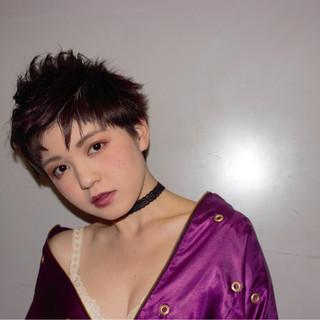 モード ショート グラデーションカラー 暗髪 ヘアスタイルや髪型の写真・画像