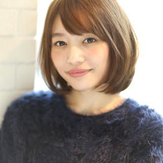 ミディアム 色気 ナチュラル 斜め前髪 ヘアスタイルや髪型の写真・画像