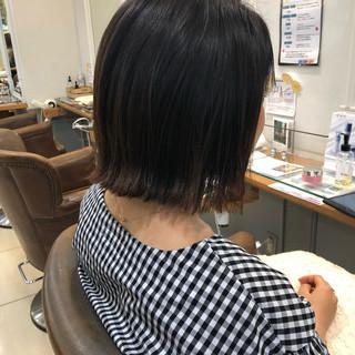 ナチュラル 切りっぱなしボブ ショートヘア ミニボブ ヘアスタイルや髪型の写真・画像
