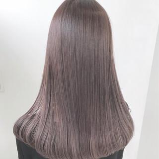 ナチュラル セミロング アッシュベージュ イルミナカラー ヘアスタイルや髪型の写真・画像