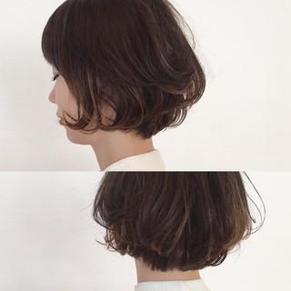 インナーカラー ショート 色気 ナチュラル ヘアスタイルや髪型の写真・画像