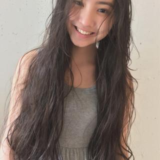 ガーリー デート ロング ニュアンス ヘアスタイルや髪型の写真・画像