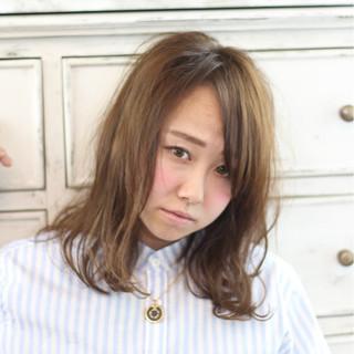 イルミナカラー 外ハネ 外国人風 ミディアム ヘアスタイルや髪型の写真・画像