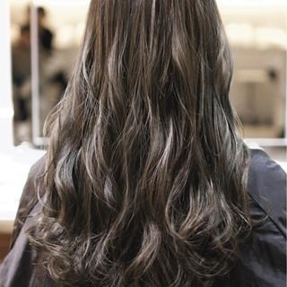 ガーリー ロング ダブルカラー ハイライト ヘアスタイルや髪型の写真・画像