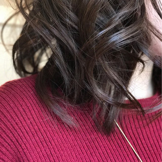 オフィス 大人かわいい ラベンダーアッシュ イルミナカラー ヘアスタイルや髪型の写真・画像