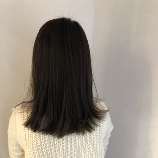 カーキアッシュ ミディアム 簡単ヘアアレンジ ナチュラル ヘアスタイルや髪型の写真・画像