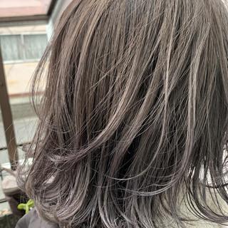 グラデーションカラー ラベンダーグレージュ 透明感カラー ラベンダーグレー ヘアスタイルや髪型の写真・画像