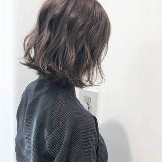 外ハネボブ 切りっぱなしボブ アンニュイほつれヘア ナチュラル ヘアスタイルや髪型の写真・画像