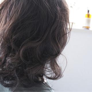 外国人風 ブルージュ グレー ミディアム ヘアスタイルや髪型の写真・画像