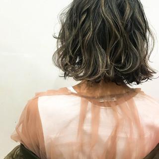 セミウェット パーマ ストリート 切りっぱなしボブ ヘアスタイルや髪型の写真・画像