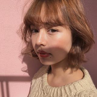 パーマ アッシュベージュ フェミニン アンニュイほつれヘア ヘアスタイルや髪型の写真・画像