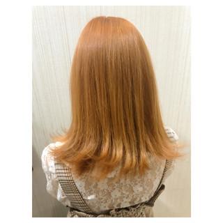 オレンジベージュ ミディアム アプリコットオレンジ 韓国風ヘアー ヘアスタイルや髪型の写真・画像