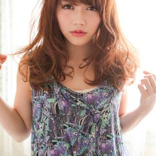セミロング 大人かわいい 外国人風 グラデーションカラー ヘアスタイルや髪型の写真・画像
