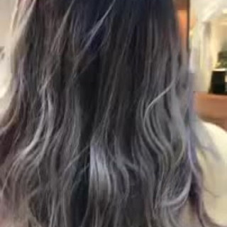 大人かわいい インナーカラー ゆるふわ フェミニン ヘアスタイルや髪型の写真・画像