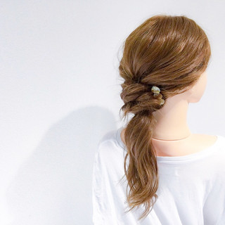 ヘアアレンジ 上品 オフィス エレガント ヘアスタイルや髪型の写真・画像