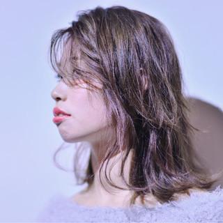 外国人風 ミディアム パーマ フェミニン ヘアスタイルや髪型の写真・画像