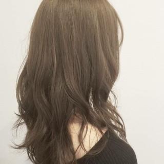 アッシュ グレージュ 外国人風 大人かわいい ヘアスタイルや髪型の写真・画像