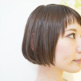 ショートボブ ショートバング 透明感カラー ナチュラル ヘアスタイルや髪型の写真・画像