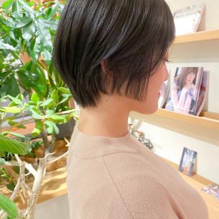 ナチュラル 透明感カラー ショートボブ グレージュ ヘアスタイルや髪型の写真・画像