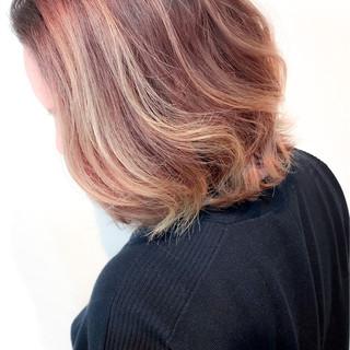 バレイヤージュ ブリーチ ガーリー ボブ ヘアスタイルや髪型の写真・画像