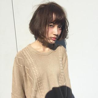 ショート ウェットヘア 暗髪 ストリート ヘアスタイルや髪型の写真・画像
