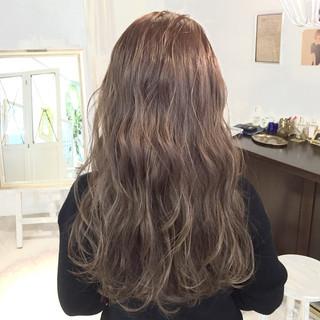 ナチュラル 渋谷系 ハイライト ロング ヘアスタイルや髪型の写真・画像
