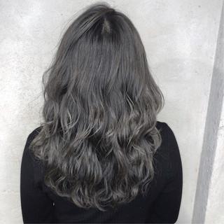 グレージュ ナチュラル アッシュ 透明感カラー ヘアスタイルや髪型の写真・画像 ヘアスタイルや髪型の写真・画像