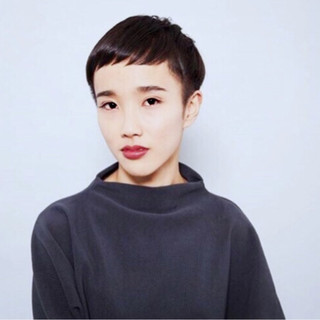 大人女子 モード ショート 刈り上げ ヘアスタイルや髪型の写真・画像