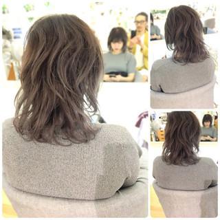 ミディアム 外国人風カラー ウェーブ イルミナカラー ヘアスタイルや髪型の写真・画像 ヘアスタイルや髪型の写真・画像