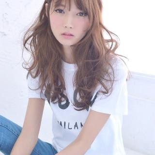 外国人風 パーマ ロング ピュア ヘアスタイルや髪型の写真・画像