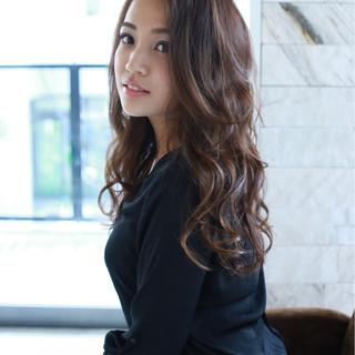 外国人風 ピュア ゆるふわ フェミニン ヘアスタイルや髪型の写真・画像 ヘアスタイルや髪型の写真・画像