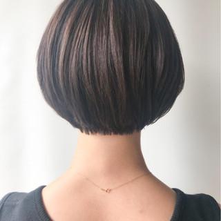 ショート コンサバ ゆるふわ オフィス ヘアスタイルや髪型の写真・画像