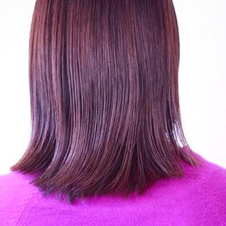 セミロング ピンクブラウン ラベンダーピンク 切りっぱなしボブ ヘアスタイルや髪型の写真・画像