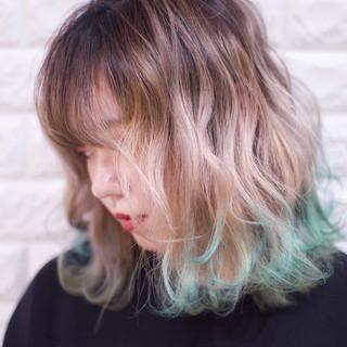 フェミニン ブロンドカラー デート 裾カラー ヘアスタイルや髪型の写真・画像