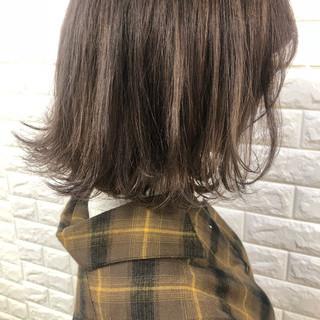 大人女子 切りっぱなし 外ハネ ボブ ヘアスタイルや髪型の写真・画像