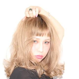 オフィス ゆるふわ ミディアム ガーリー ヘアスタイルや髪型の写真・画像