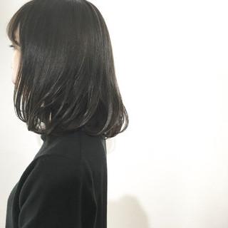 ウェットヘア ミディアム 大人かわいい 暗髪 ヘアスタイルや髪型の写真・画像 ヘアスタイルや髪型の写真・画像