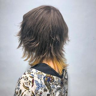ミルクティー ウルフカット 春ヘア インナーカラー ヘアスタイルや髪型の写真・画像