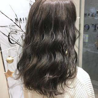 ハイライト 外国人風カラー ナチュラル グレージュ ヘアスタイルや髪型の写真・画像
