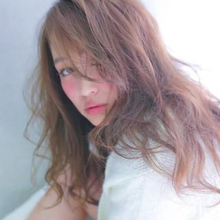 透明感 セミロング アッシュ ゆるふわ ヘアスタイルや髪型の写真・画像