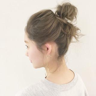 ハーフアップ アッシュ ミルクティー ナチュラル ヘアスタイルや髪型の写真・画像 ヘアスタイルや髪型の写真・画像
