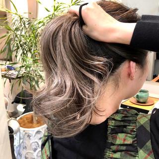 バレイヤージュ ミディアム グラデーションカラー ベージュ ヘアスタイルや髪型の写真・画像