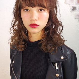暗髪 パーマ ハイライト 黒髪 ヘアスタイルや髪型の写真・画像