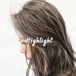 ナチュラル コントラストハイライト 極細ハイライト ハイライト ヘアスタイルや髪型の写真・画像