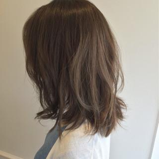 暗髪 ミディアム ゆるふわ 大人かわいい ヘアスタイルや髪型の写真・画像
