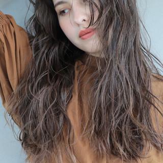 くせ毛風 外国人風 パーマ 透明感 ヘアスタイルや髪型の写真・画像