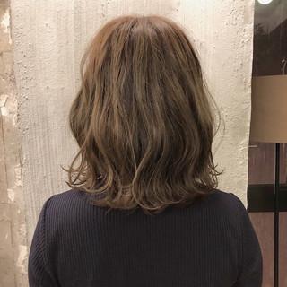 透明感 ヘアアレンジ ミディアム ナチュラル ヘアスタイルや髪型の写真・画像