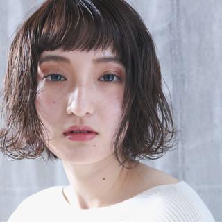 外国人風 簡単ヘアアレンジ ナチュラル アッシュベージュ ヘアスタイルや髪型の写真・画像